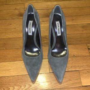 Steve Madden Pointed Toe Gray Suede Pumps